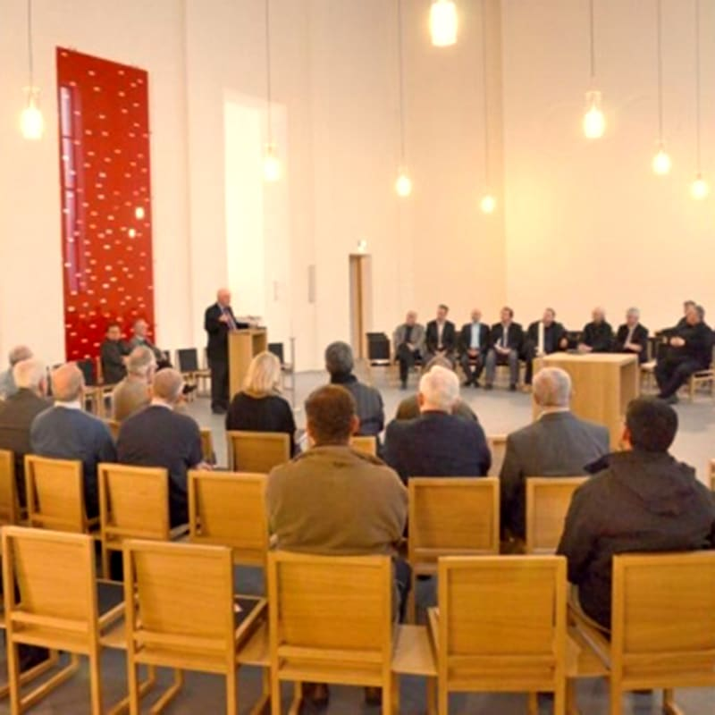 Pallotti Kirche Friedberg Plenum Leo Zogmayer