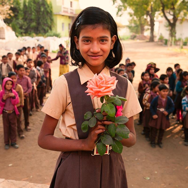 Missionsbericht der Pallottiner 2015 - Mädchen in Südamerika