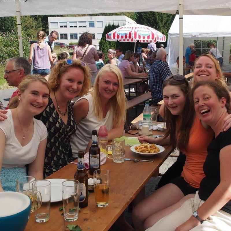 Wasserburg-Sommerfest-draußen