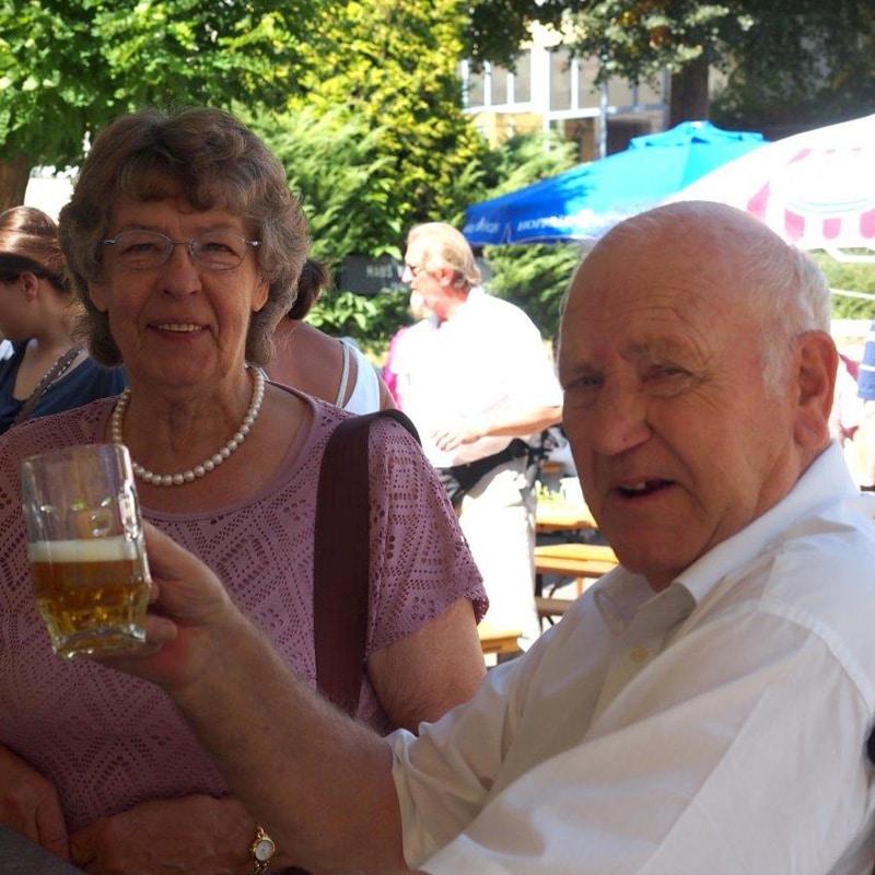 Wasserburg-Sommerfest-draußen2