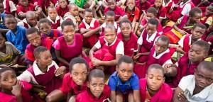 Schulkinder im Dorf Kaphatika