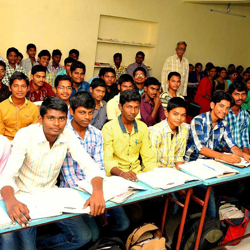 Männliche Schüler in Indien