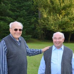 Pater Treier mit Pater Mätele im Garten des Provinzialats Friedberg