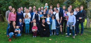 Bruder Matthias mit Familie und Freunden
