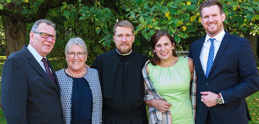 Bruder Matthias Terhorst SAC mit Familie