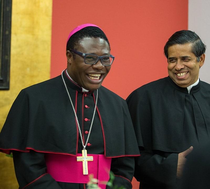 Bischof Ateba SAC und Generalrat Nampudakam SAC