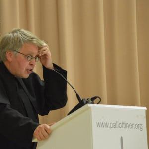 Prof. Pater Paul Rheinbay bei seinem Festvortrag