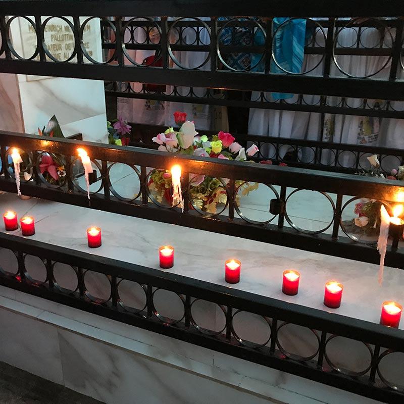 Gedenkfeier 2017 auf dem Friedhof in Mvolyé
