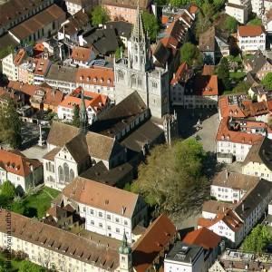 Das Coenaculum befindet sich im Herzen von Konstanz. Das Haus St. Josef ist im Bild unten rechts zu sehen.