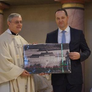 Abschiedsgeschenk von Bürgermeister Peter Weber