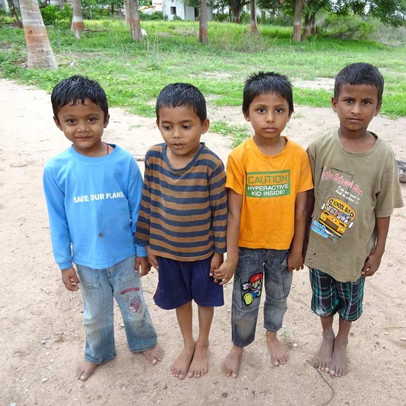 Schützt die Kinder - Projekt von Pater Bala