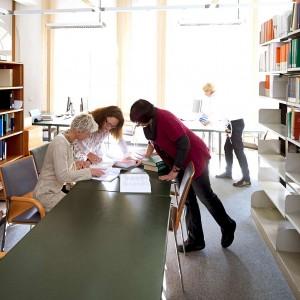 Arbeiten in der Bibliothek der PTHV