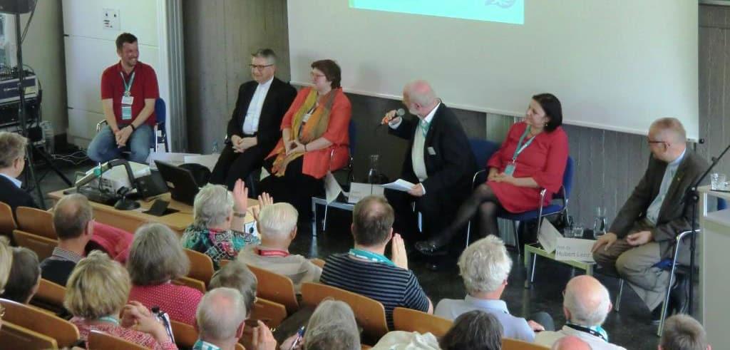 "Podiumsdiskussion WeG-Initiative ""Glaube hat Zukunft"""