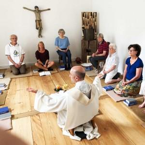 Eucharistiefeier in meditativer Form, mit Bibelteilen