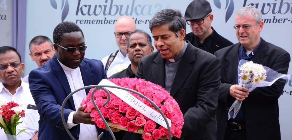 Kranzniederlegung beim Genozid-Memorial in Kigali