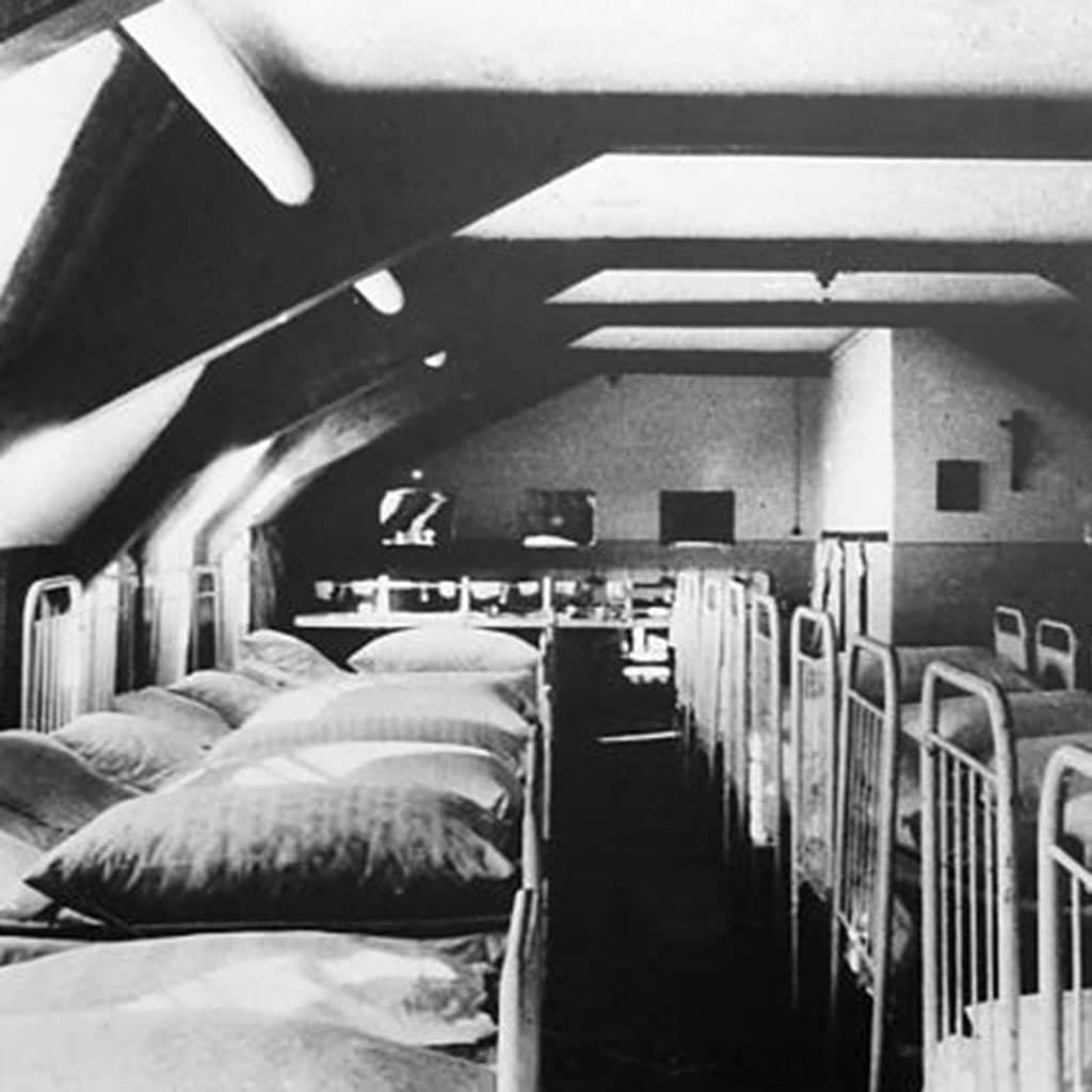 Schlafsaal des Pallottiner Internats Schloss Hersberg 1964