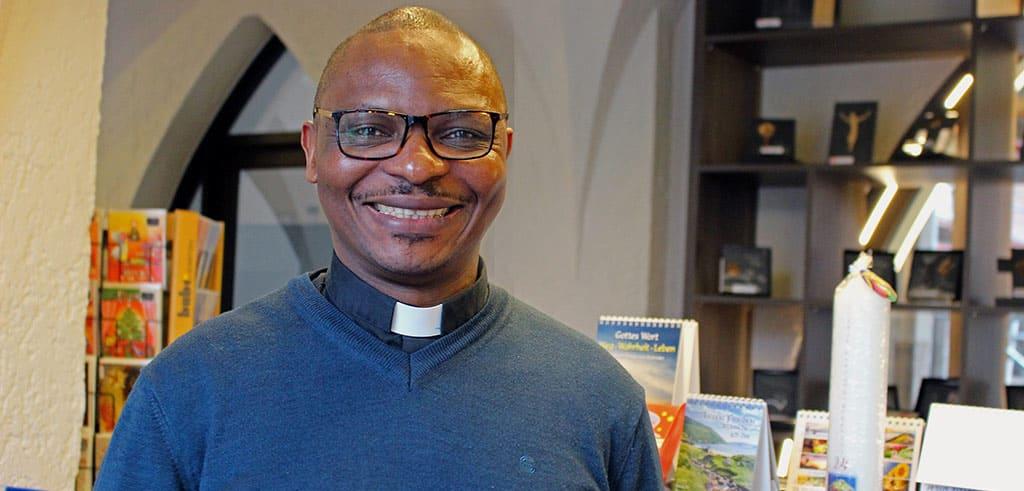 Der Pallottiner Pater Dr. Benjamin Atanga lebt in Limburg