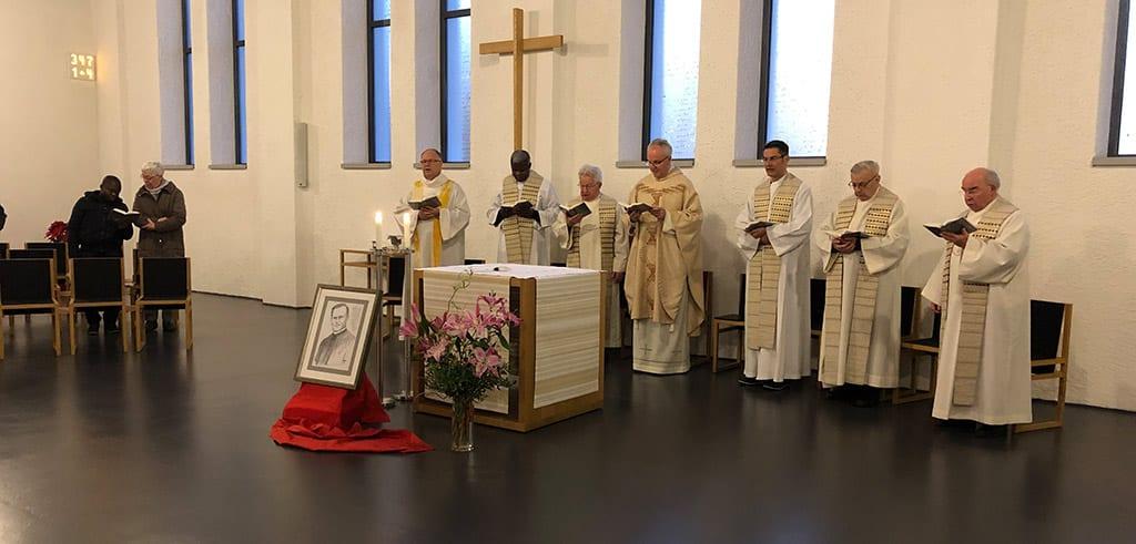 Pallottiner treffen sich am 74. Todestag von Pater Richard Henkes in Friedberg