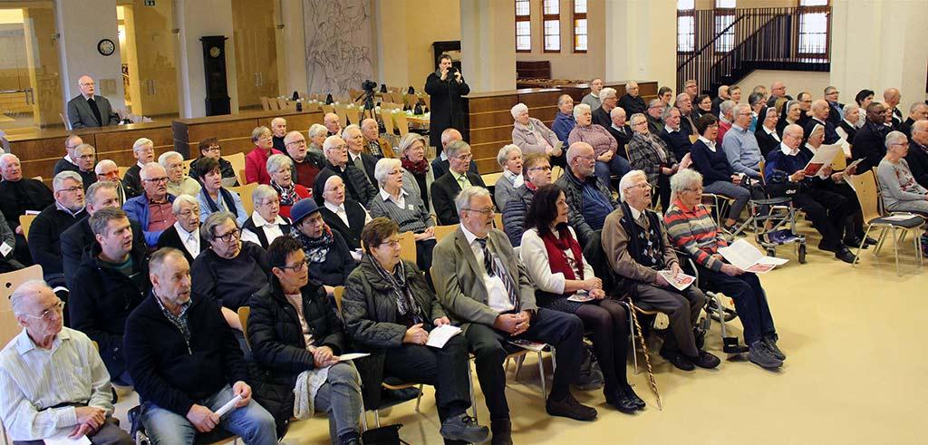 Gedenkveranstaltung im Pater Richard Henkes Saal in Limburg