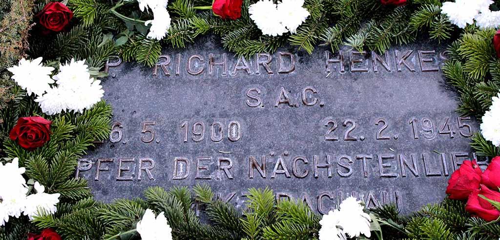 Grab von Pater Richard Henkes auf dem Pallottinerfriedhof in Limburg