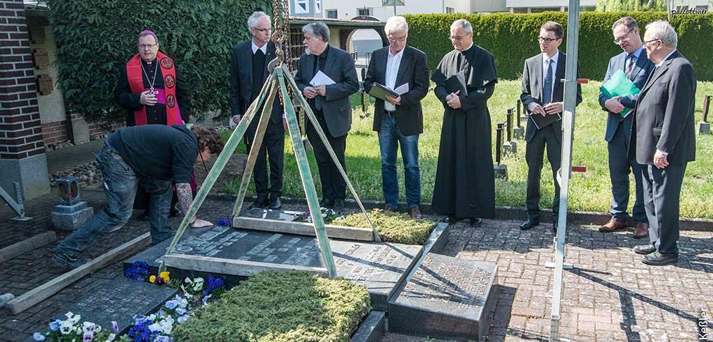 Reliquien zur Seligsprechung von Pater Richard Henkes