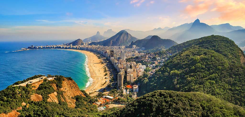 Brasilien Rio Strand und Berge