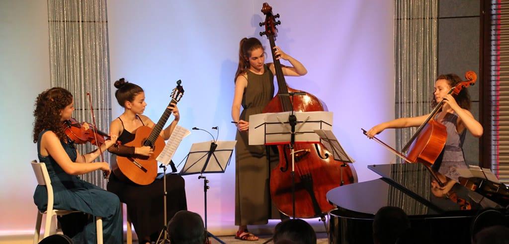 Musik von Saitenwanderer