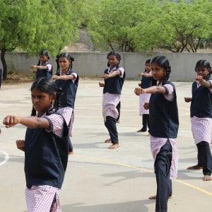 Karate - Selbstdisziplin und Selbstverteidigung für Frauen