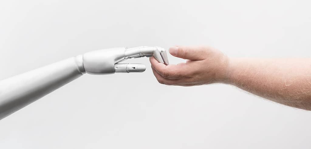 Roboter können das Versprechen nach Entlastung Pflegender nur teilweise einlösen