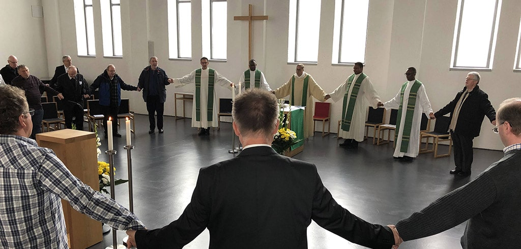 Pallottiner beten das Vaterunser
