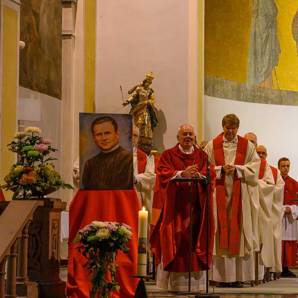 Weihbischof Anton Losinger beim Dankgottesdienst für den Seligen Pater Richard Henkes