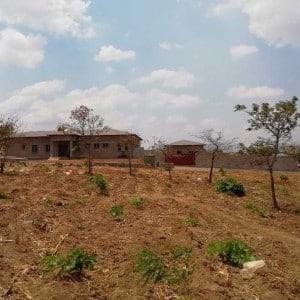Neu gebautes Pfarrhaus in Kaphatika Malawi