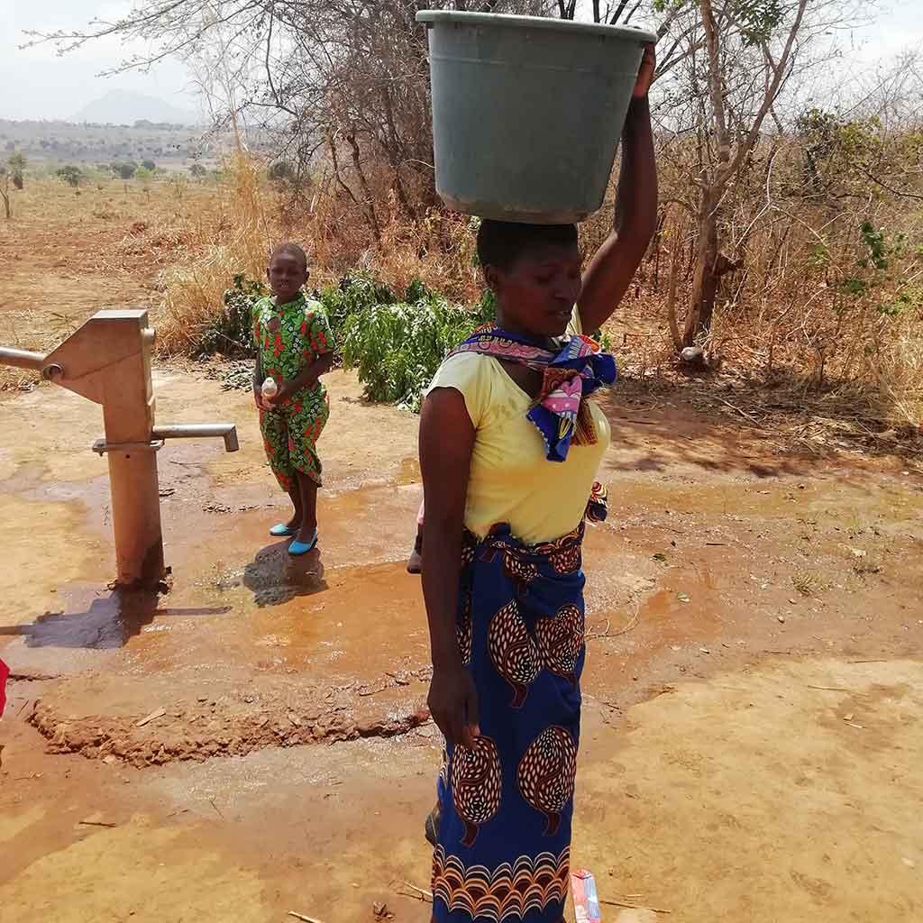 Neuer Brunnen in Kaphatika in Malawi (Afrika)