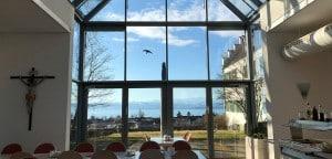 Speisesaal mit Blick über den Bodensee Richtung Schweiz