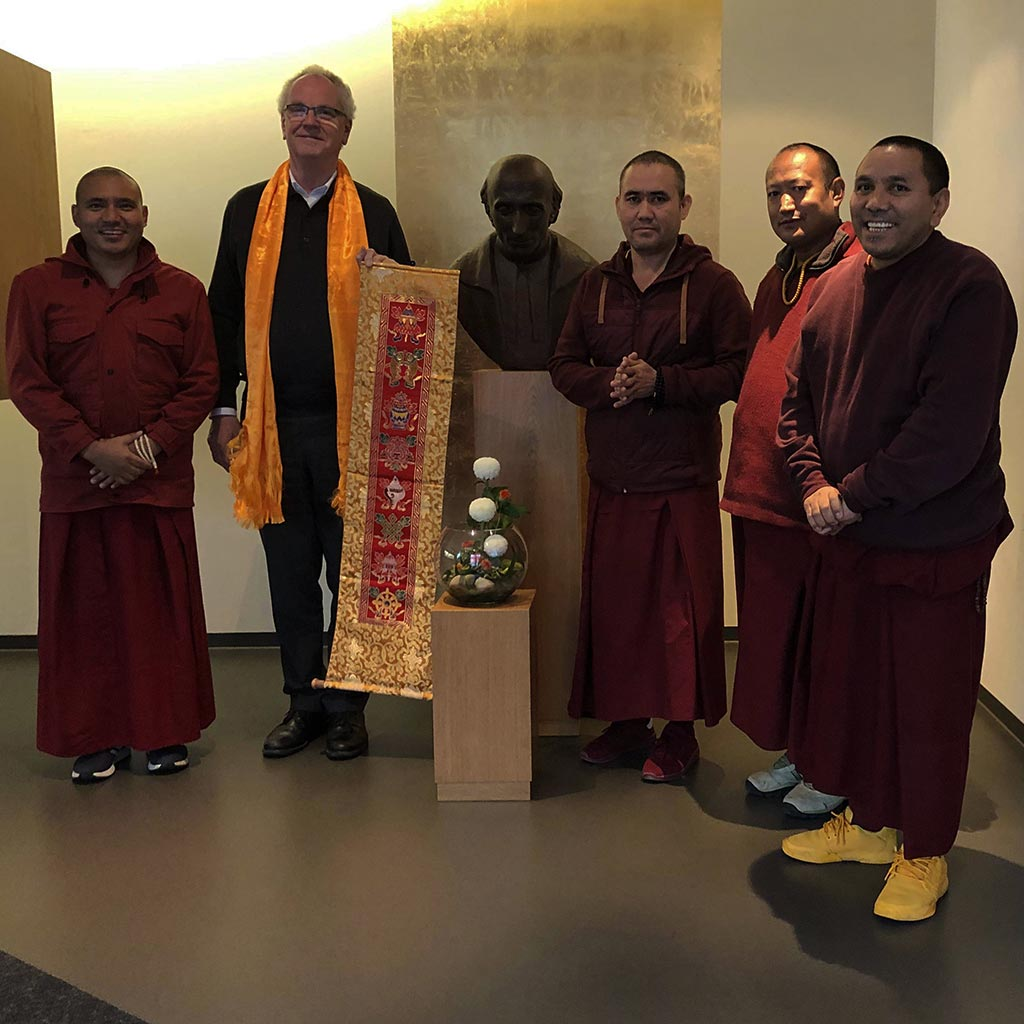 Pallottiner beherbergen tibetische Mönche