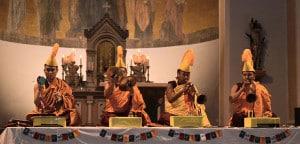 Rituelle tibetisch-buddhistische Klänge in der Stadtpfarrkirche St. Jakob