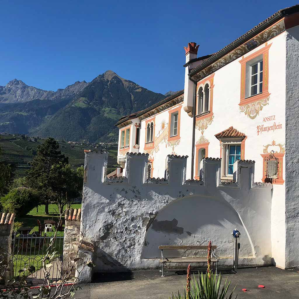 Casa Pallotti in Meran wurde ehemals Ansitz Pflanzenstein genannt