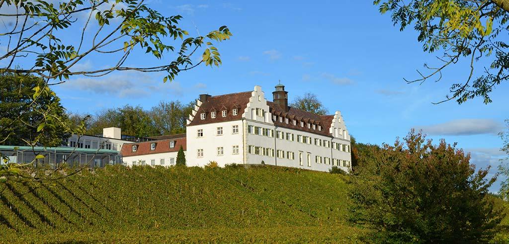 Schloss Hersberg auf dem Hersberg bei Immenstaad am Bodensee