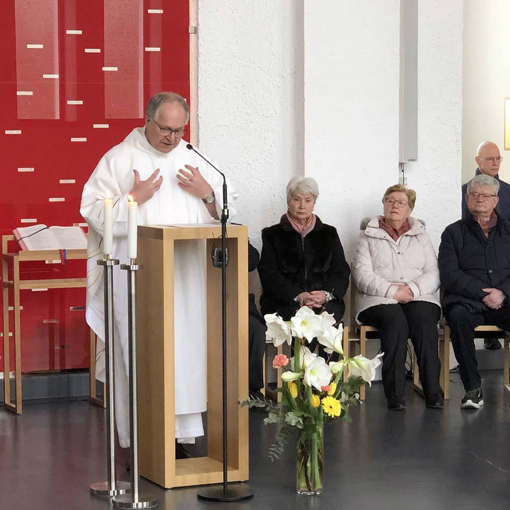 Pater Pfenning Vizeprovinzial der Pallottiner predigte beim Pallottifest in Friedberg