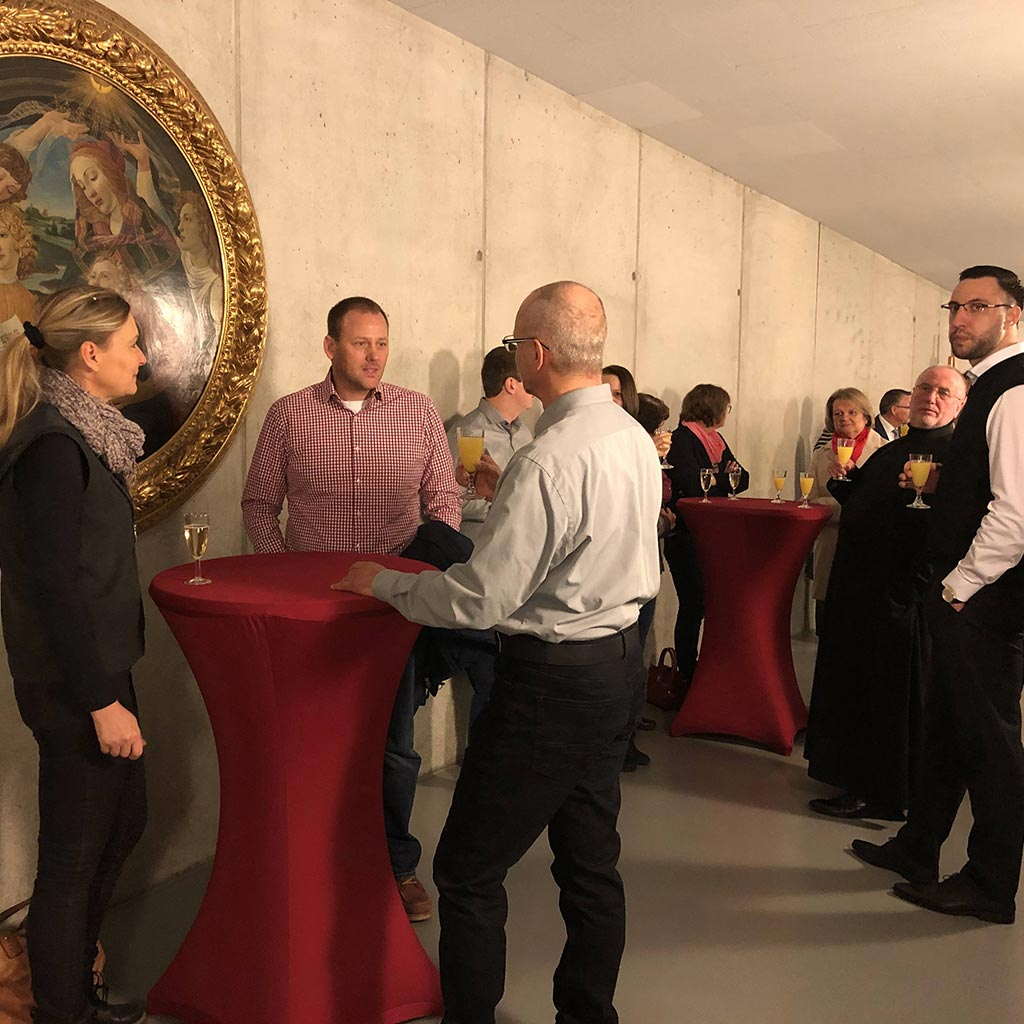 Stehempfang nach dem Festgottesdienst beim Pallottifest 2020