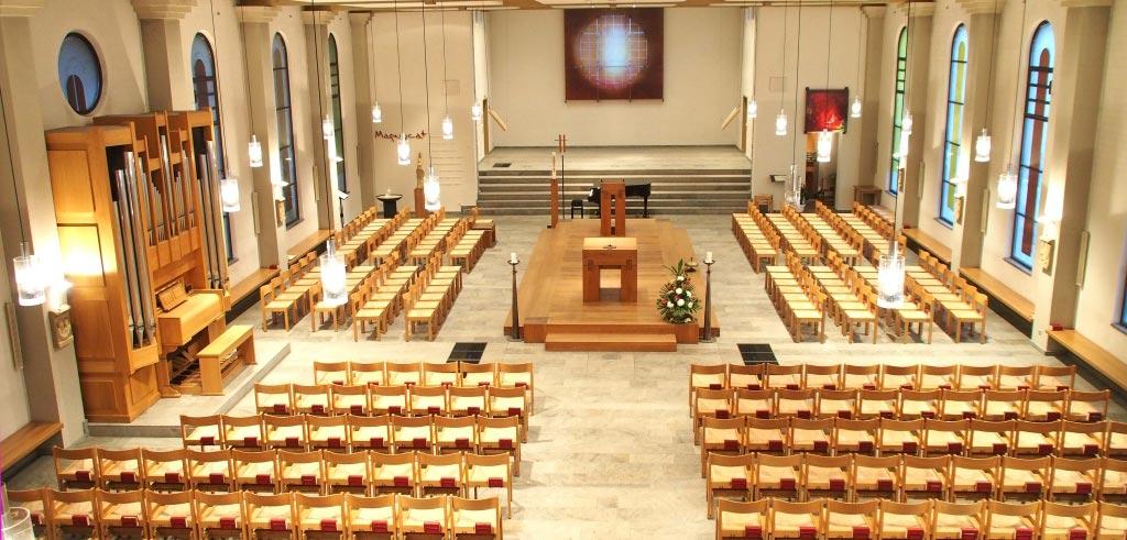 Die Pallottikirche gehört zum Geistlichen Zentrum am Haus Wasserburg in Vallendar