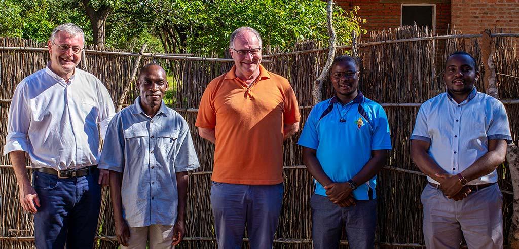 Das Pfarrteam aus Kaphatika (Malawi) mit Besuch aus Deutschland