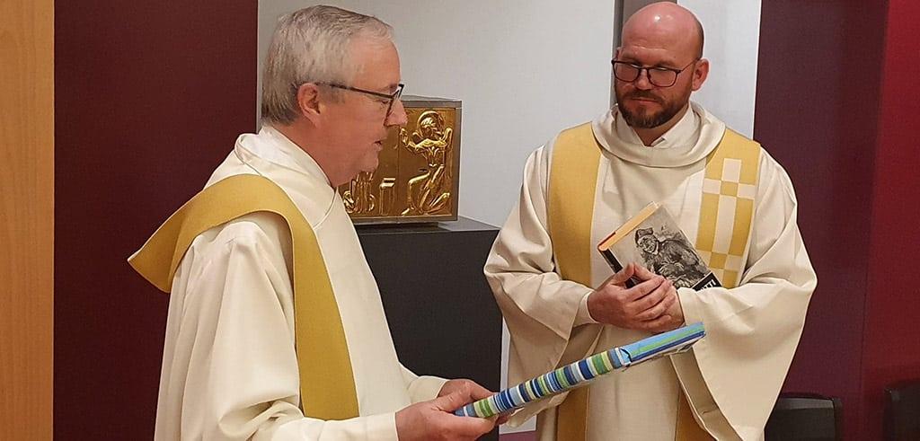 Amtsübergabe von Pater Willi an Pater Givel