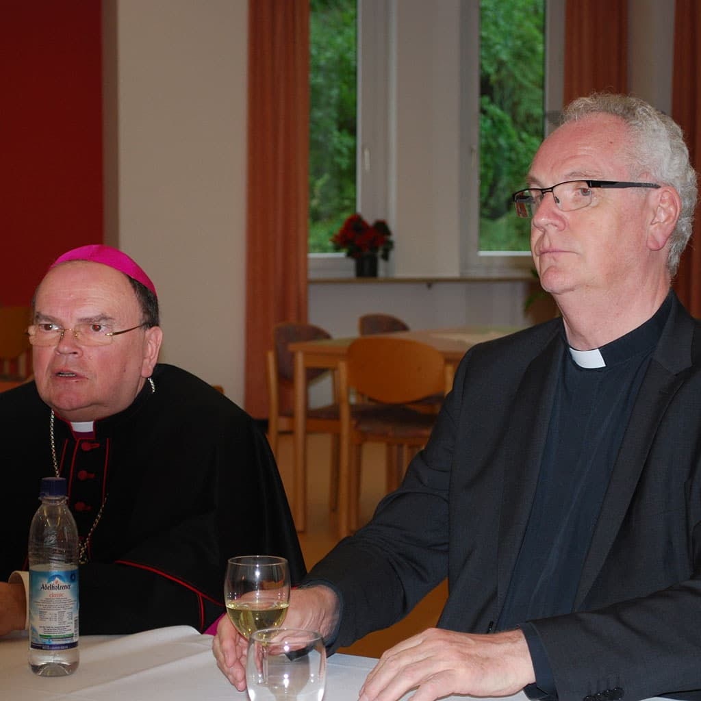 Bischof Bertram Meier zu Gast bei den Pallottinern