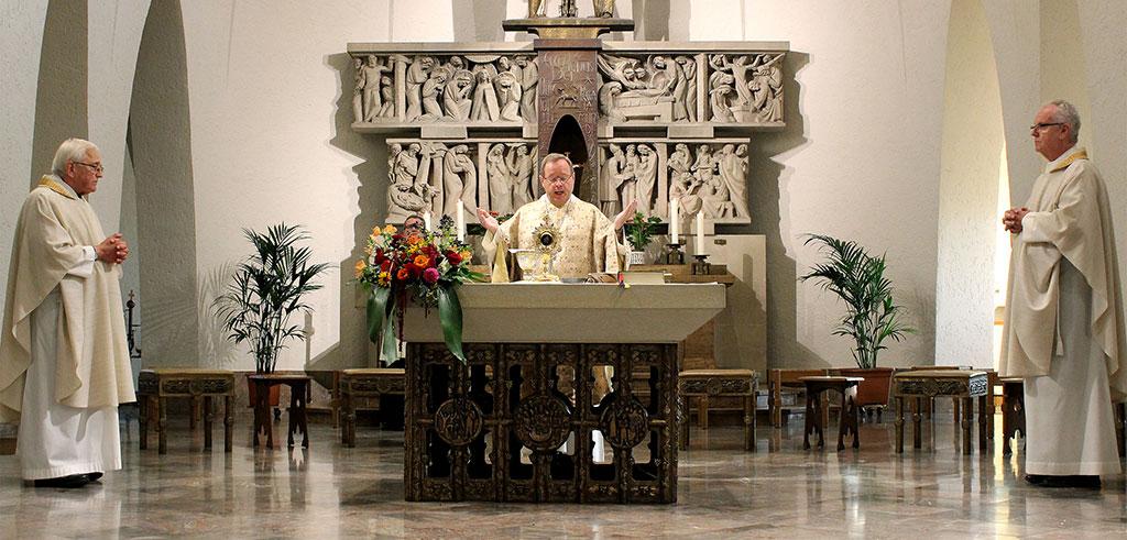 Erster Jahrestag der Seligsprechung von Pater Henkes