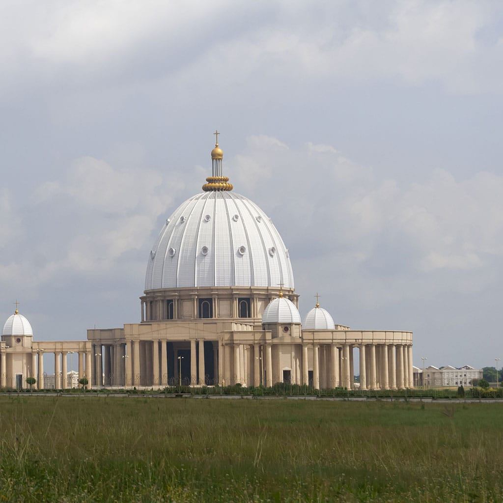 Größte katholische Kirche der Welt wird von Pallottinern betreut.