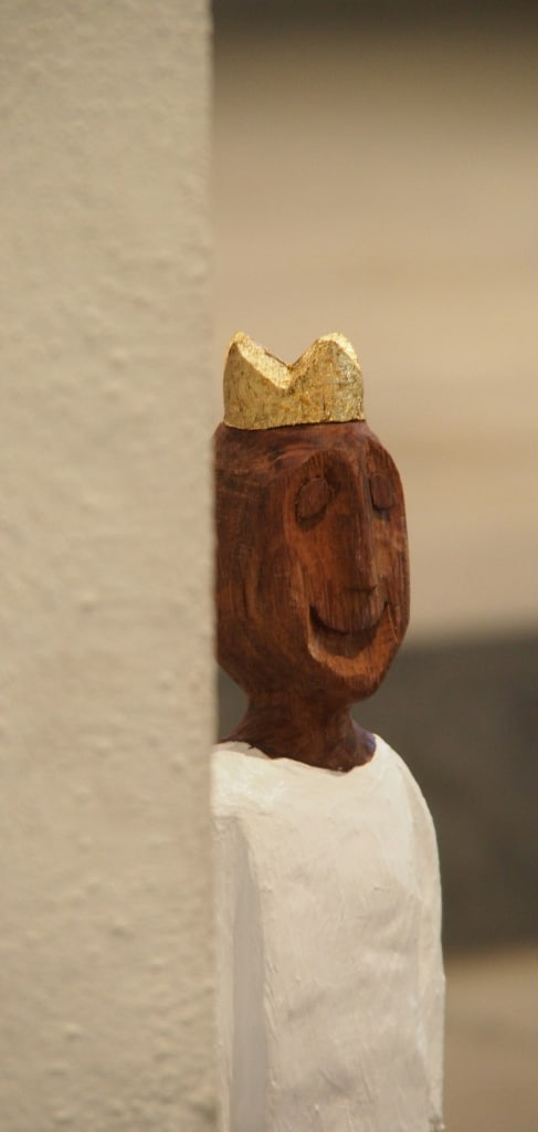 König*innenskulpturen von Ralph Knoblauch
