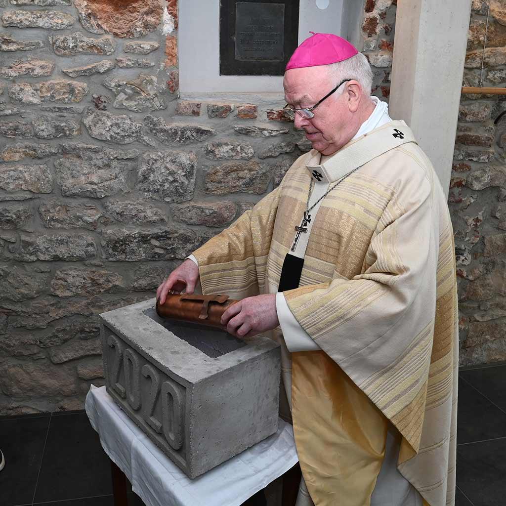 Erzbischof Hans-Josef Becker Grundstein Geistliches Zentrum Kohlhagen