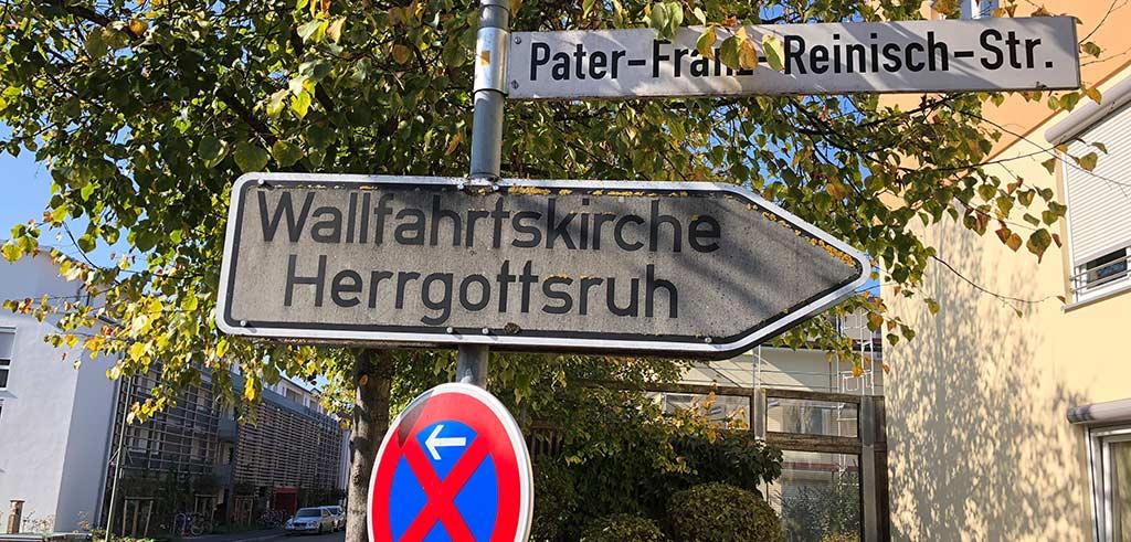 Die Pater-Franz-Reinisch-Straße im bayerischen Friedberg