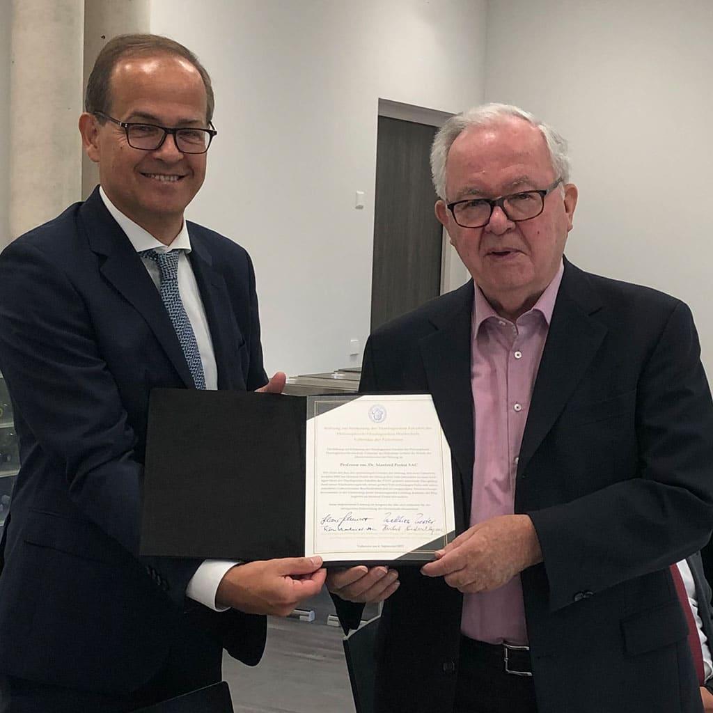Klaus Schmidt Geschäftsführender Gesellschafter Dornbach GmbH, Wirtschaftsprüfungsgesellschaft; Ehrenvorsitzender P. Manfred Probst SAC